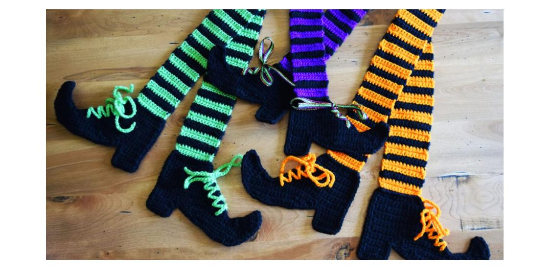 Crocheted Witches Legs Scarf   thecrochetspace.com