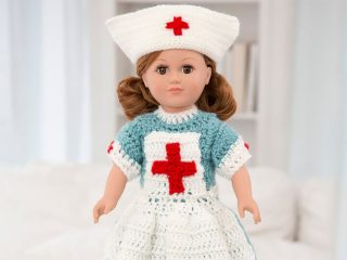 Vintage Nursing Crochet 18'' Doll Uniform || thecrochetspace.com
