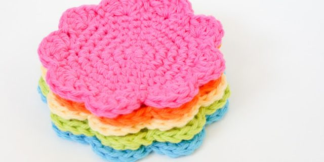 crochet flower coasters | the crochet space