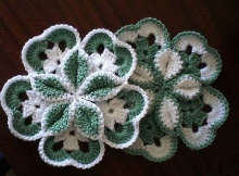 crocheted starburst hotpad | the crochet space