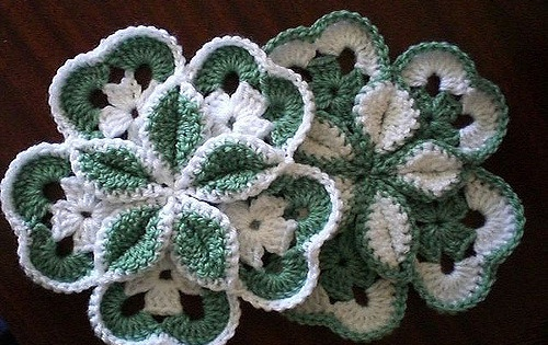 Crocheted Starburst Hotpad Free Crochet Pattern