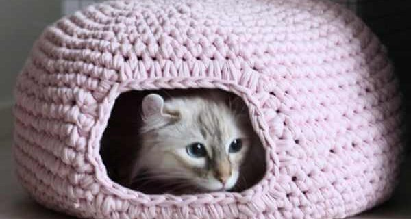 crochet cat cave | the crochet space