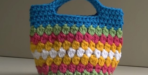 crochet cluster stitch bag | the crochet space