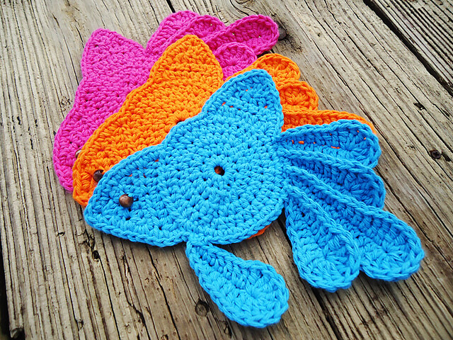 Free Crochet Fish Coaster Pattern : Crochet Goldfish Coasters [FREE Pattern]