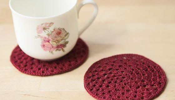 crochet granny circle coasters | the crochet space