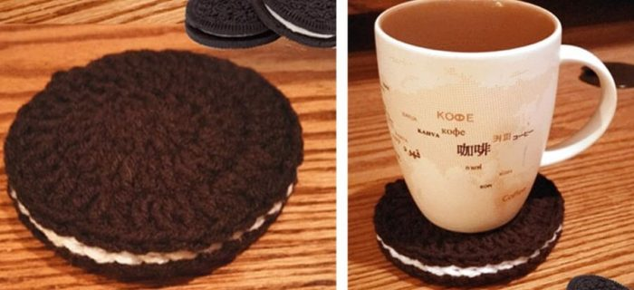 crochet chocolate sandwich cookie coasters | the crochet space