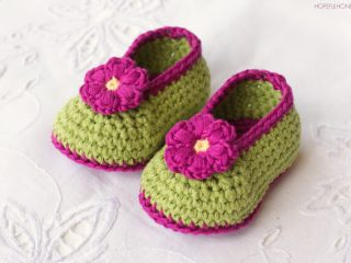 crochet fairy blossom baby booties | the crochet space