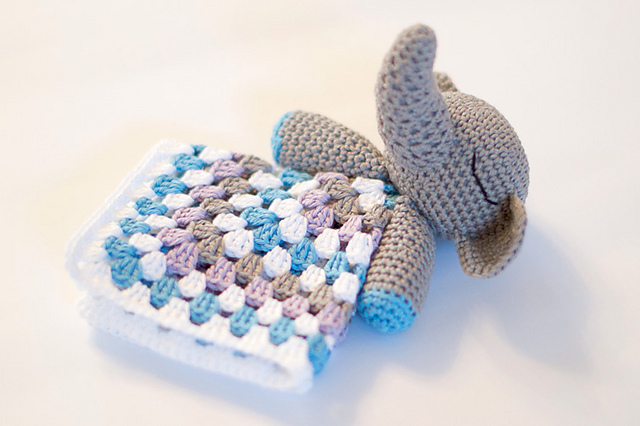 Elephant Crocheted Snuggle Blanket [FREE Crochet Pattern]