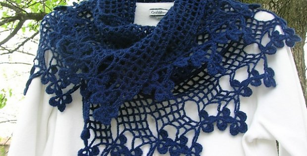 Free Crochet Edging Patterns For Scarves : Vivaldi Crocheted Scarf With A Clover Edge [FREE Pattern]