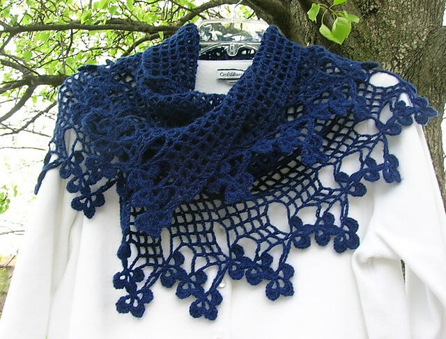 Free Crochet Scarf Edging Patterns : Vivaldi Crocheted Scarf With A Clover Edge [FREE Pattern]