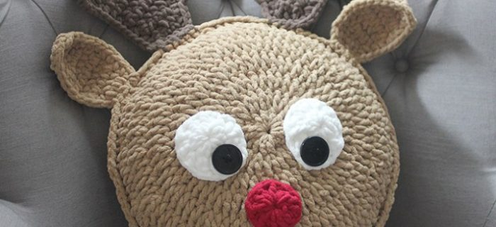 crocheted Rudolph pillow | the crochet space