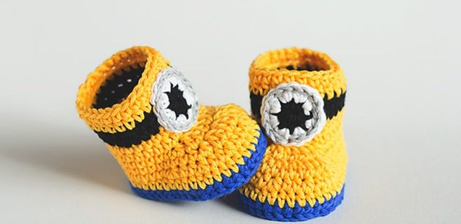 minion Inspired Crochet Baby Booties | the crochet space