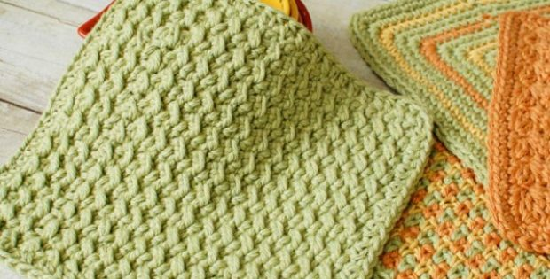 Crunch Stitch crocheted dishcloth | the crochet space