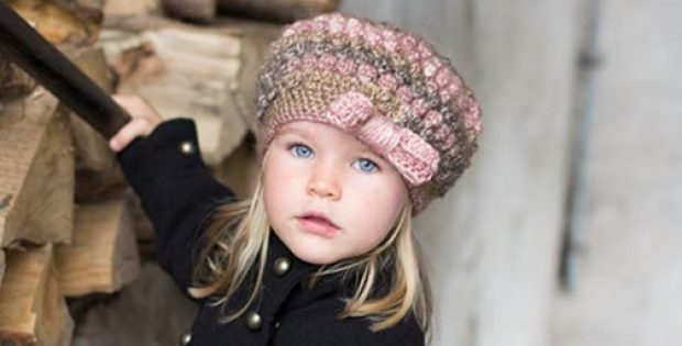 Puff Stitch Crocheted Hat With Bow [FREE Crochet Pattern]