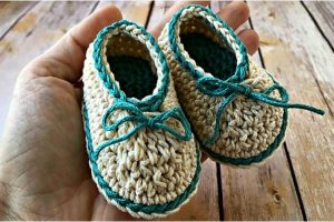 basic crocheted baby booties   the crochet space