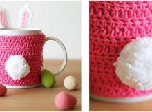 Easter bunny crocheted mug cozy | the crochet space