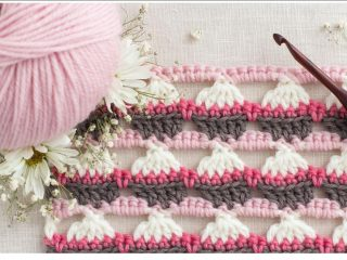 Realistic Crocheted Cupcake Stitch   thecrochetspace.com