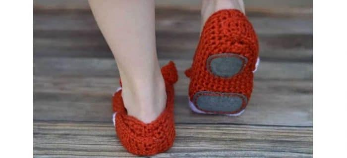 8 Ways To Make Crocheted Slippers Non-Slip | thecrochetspace.com