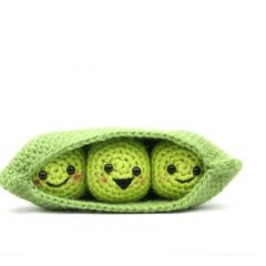 Happy Crocheted Pod Peas | thecrochetspace.com