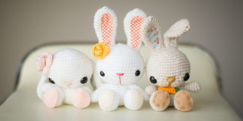 Super Spring Crochet Bunnies [FREE Amigurumi Pattern+Tutorial]