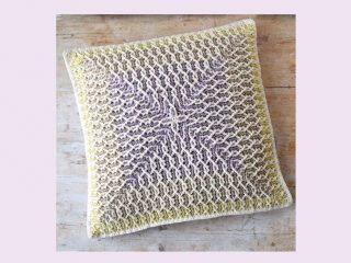 Amazing Brioche Crochet Cushion | thecrochetspace.com