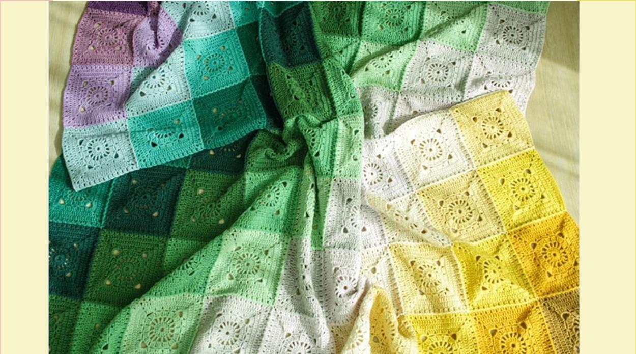 Turn Around Crochet Blanket | thecrochetspace.com
