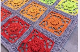 Super Sunset Crochet Blanket | thecrochetspace.com