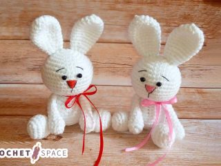 Adorable Crocheted White Rabbit || thecrochetspace.com