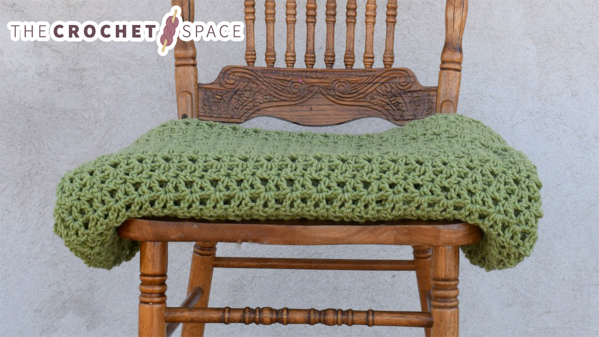 All-Day Everyday Crochet Throw || thecrochetspace.com