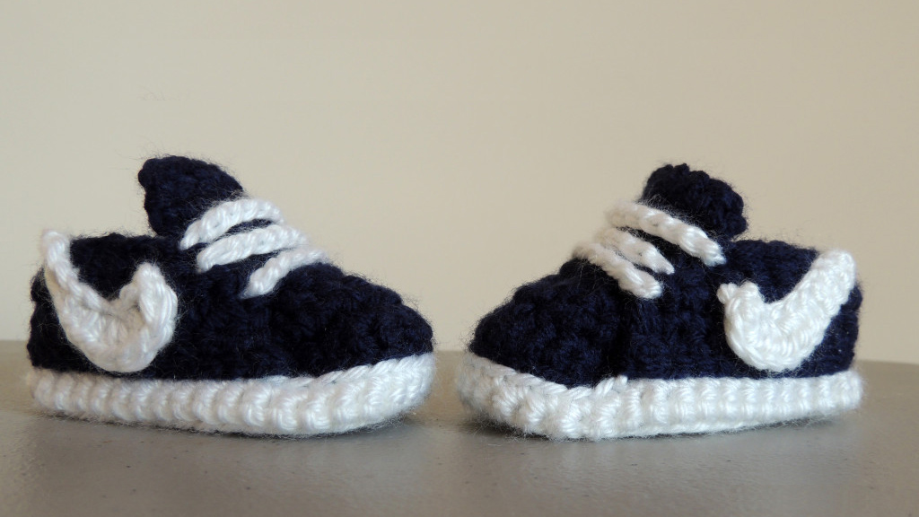 Baby's First Crochet Sneakers || thecrochetspace.com