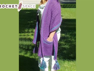 Beginners Crochet Pocket Wrap || thecrochetspace.com