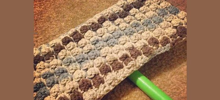 Bobble Swiffer Crochet Cover || thecrochetspace.com