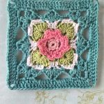 Bonne Belle Crochet Square. Beautiful granny square in turquoise, white, green and pink flower middle    thecrochetspace.com
