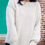Button Top Crochet Sweater. Close up of Ribbing Stitch sweater || thecrochetspace.com