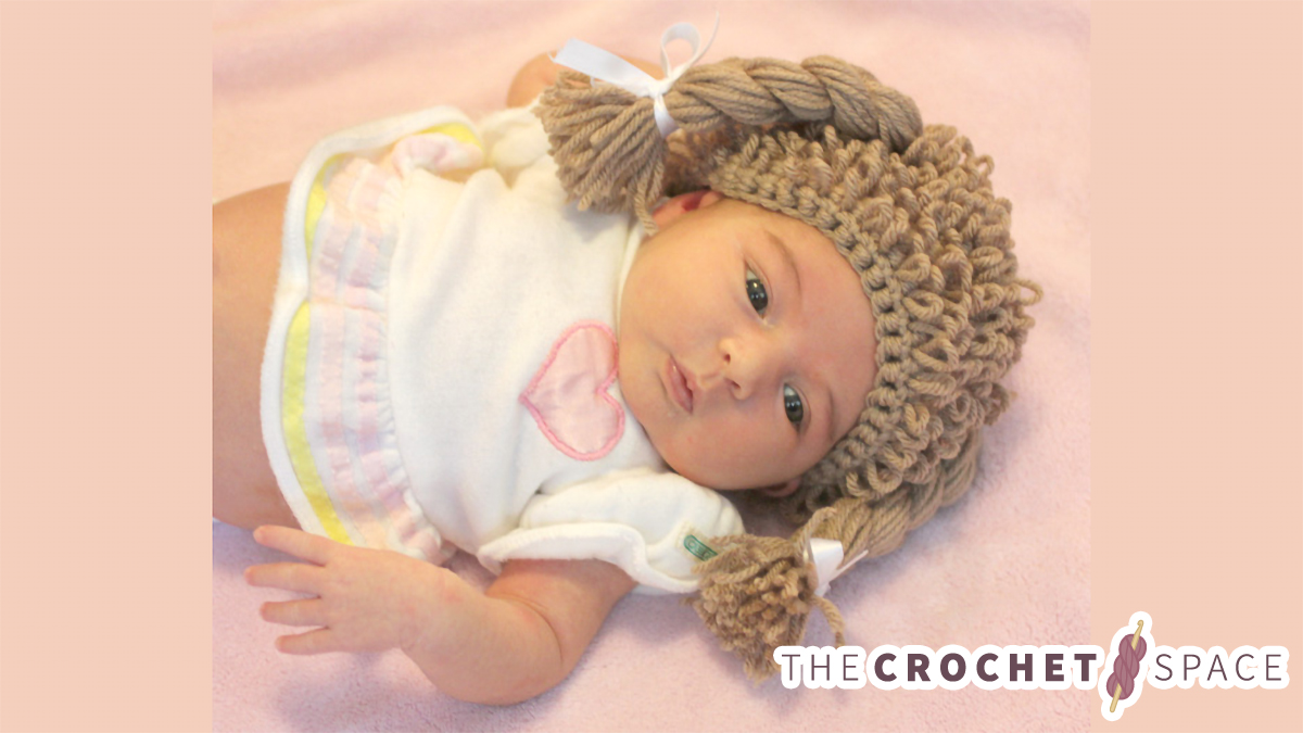 Cabbage Patch Crochet Hat || thecrochetspace.com