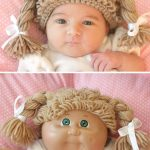 Cabbage Patch Crochet Hat. Split screen image. Top image of baby in wig. Bottom image of cabbage patch doll || thecrochetspace.com