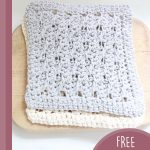 Cable Rib Crochet Dishcloth. 2x cloths on top of each other || thecrochetspace.com