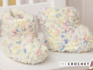 Candy Cotton Crochet Booties || thecrochetspace.com