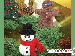 Charming Christmas Crochet Ornaments || thecrochetspace.com
