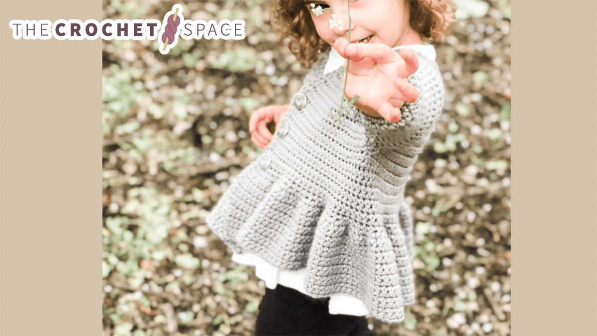 Child's Fluted Smock Jacket || thecrochetspace.com