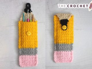 Colorful Crocheted Pencil Pouch || thecrochetspace.com