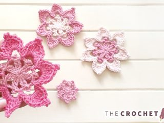 Crochet Applique Robyn Flower || thecrochetspace.com