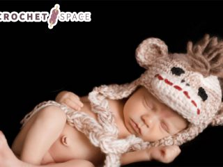 Crochet Baby Monkey Hat || thecrochetspace.com