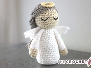 Crochet Christmas Angel Doll || thecrochetspace.com