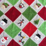 Crochet Christmas Granny Blanket. Closer up image of afghan || thecrochetspace.com