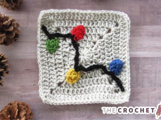 Crochet Christmas Lights Applique || thecrochetspace.com