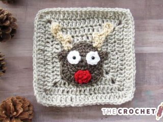 Crochet Christmas Rudolf Applique || thecrochetspace.com