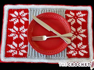 Crochet Christmas Snow Placemat || thecrochetspace.com