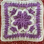 Crochet Fall Blossom Granny Square. Crafted in mauve and white || thecrochetspace.com