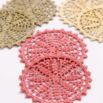 Crochet Fall Coasters Set. 3x sets in 3x different colors || thecrochetspace.com
